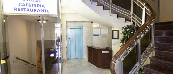 Rezeption rund um die uhr Hotel Torreluz Centro
