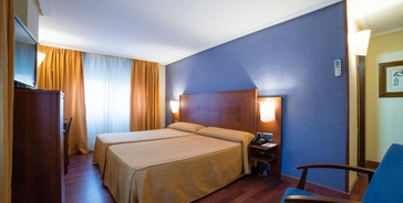 DOPPELZIMMER MIT PARKPLATZ Hotel Torreluz Centro